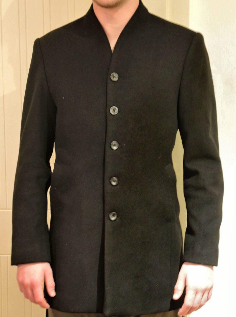 Manteau avec col debout