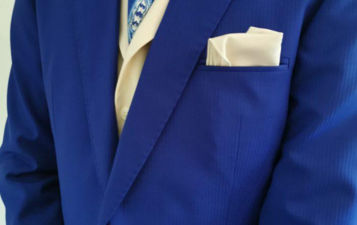 Costume bleu-azur
